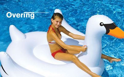 Los hinchables más divertidos para tu piscina este verano